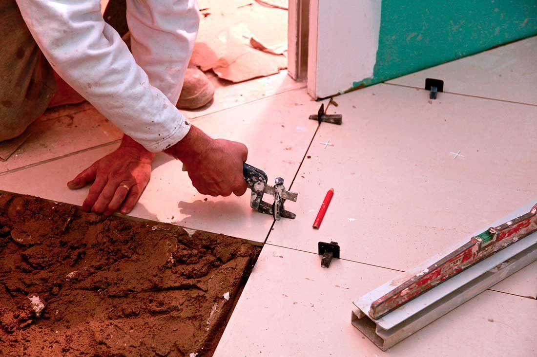 Colocación de piezas al suelo
