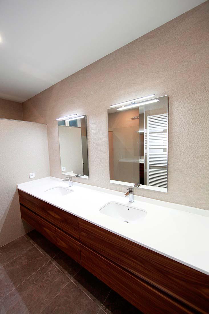 Mueble personalizado para baño