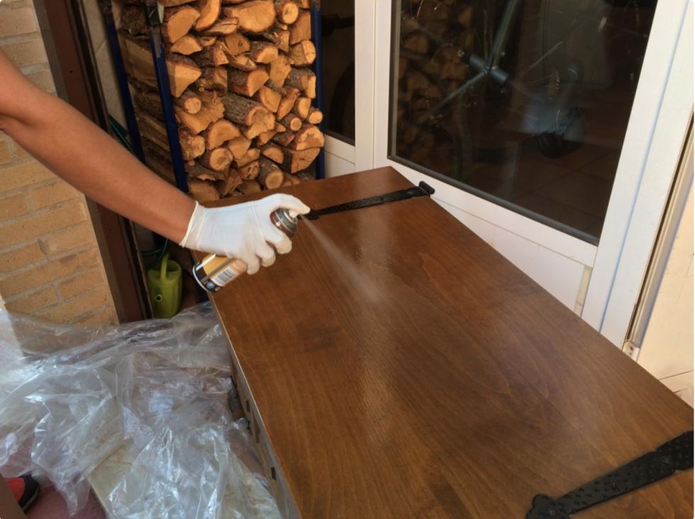Quitar la carcoma de un mueble de madera para recuperarlo - Como quitar la carcoma ...